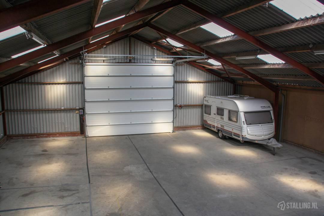 schrale stalling caravanstalling in friesland