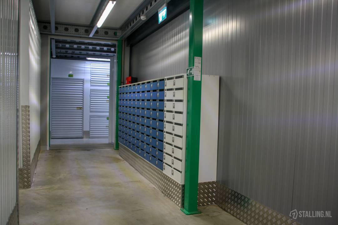 specker self-storage postbus huren west friesland