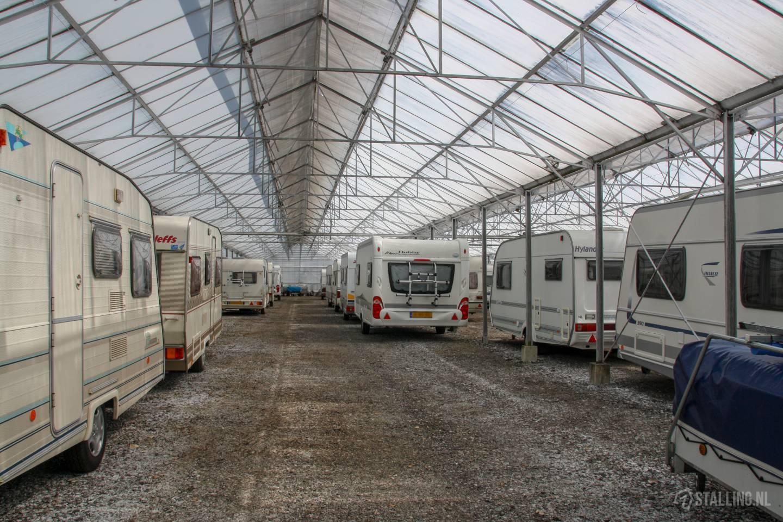 caravanstalling wijdenes stalling binnen