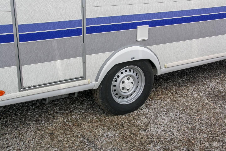 caravanstalling wijdenes banden